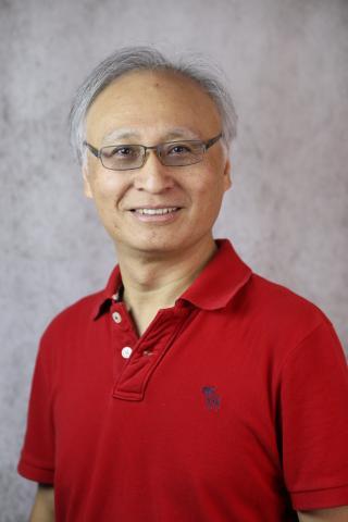 Dr Lee head shot